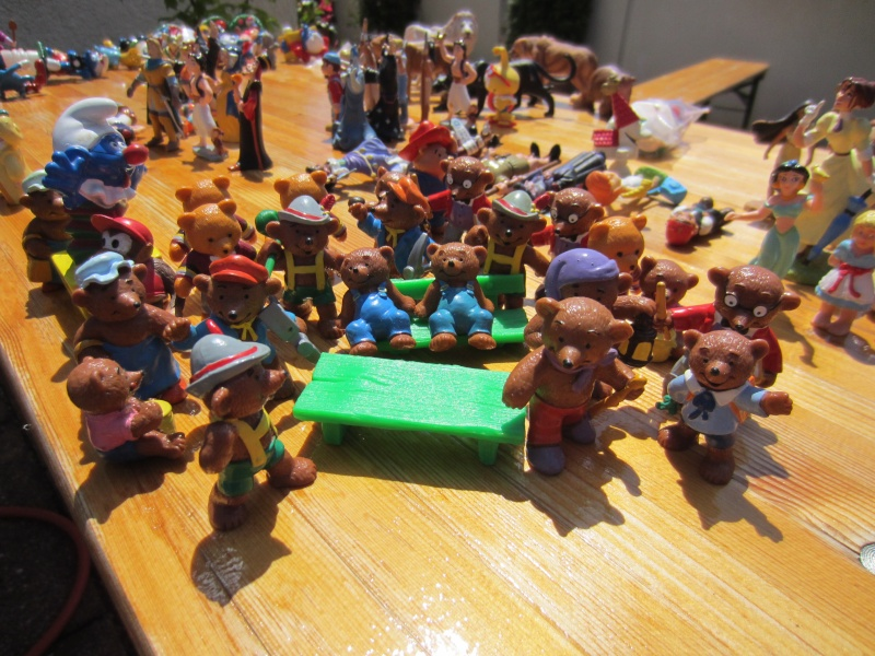 Surprise parcel with Comic figures from Bullyland Img_1017