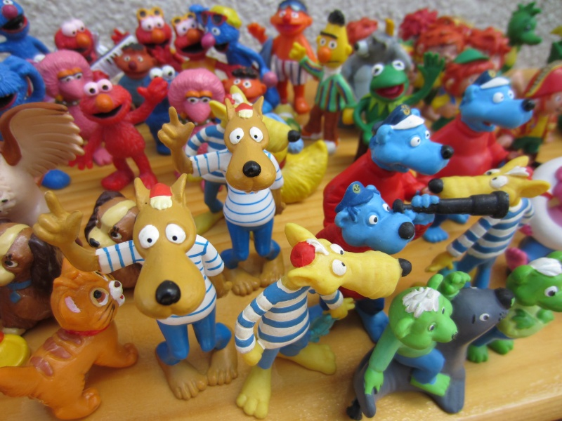 Surprise parcel with Comic figures from Bullyland Img_1018