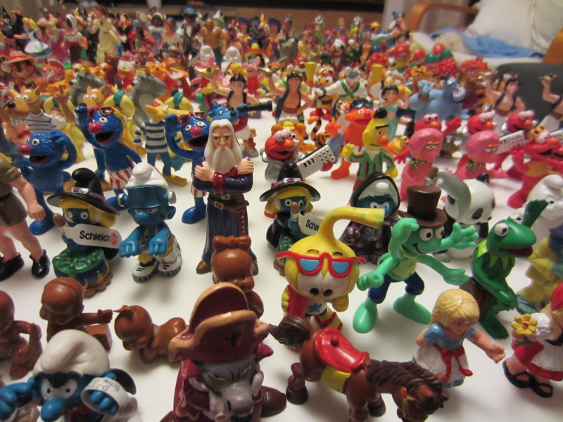 Surprise parcel with Comic figures from Bullyland Img_1111