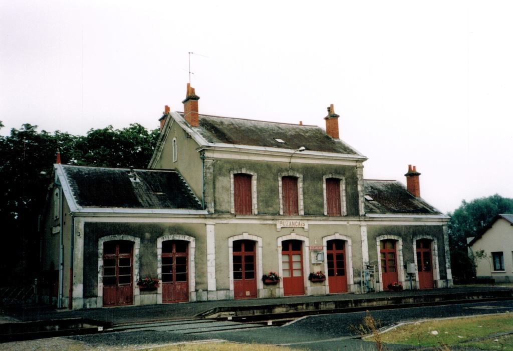 Pk 280,3 : Gare de Buzançais (36) Buzany10