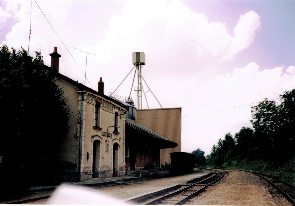 Pk 245,7 : Gare de Luçay-le-Male (36) Luyay-10