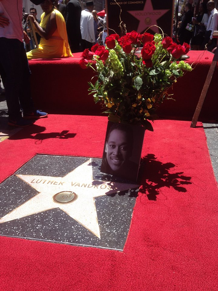 étoile pour Luther Vandross sur Walk of Fame à Hollywood Yes_lu10
