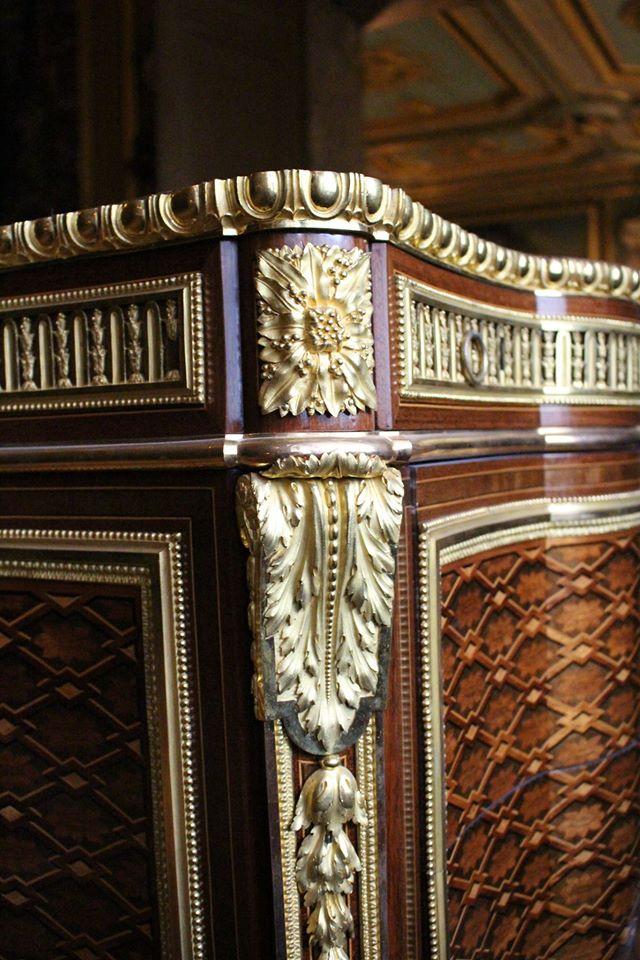 Le 18e aux sources du design, chefs d'oeuvre du mobilier - Page 3 Meuble18