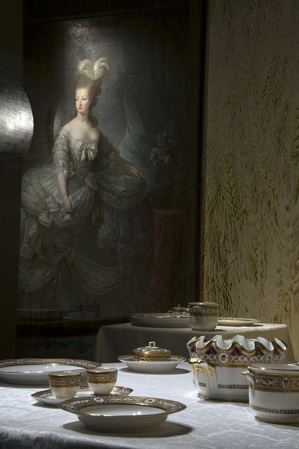 Arras : Cent chefs-d'Oeuvre de Versailles - Page 5 Servic10