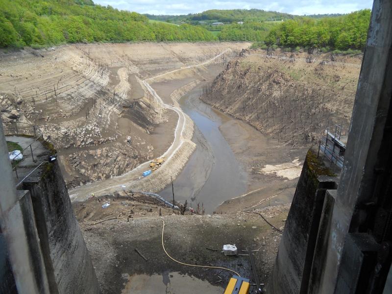 Barrage EDF de Sarrans : la vidange se prépare Dscn1710