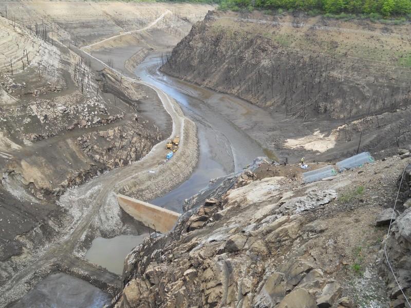 Barrage EDF de Sarrans : la vidange se prépare Dscn1712