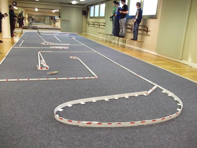 Projet piste dans les combles de C à Z! Dscf1410