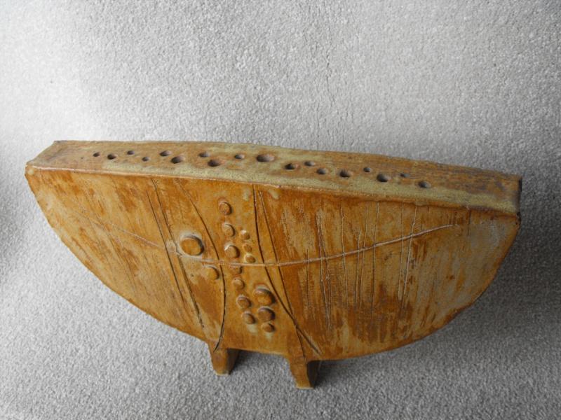 Semi Circle Vase on Legs. NO Makers Mark.  I.D.? Dscf8118