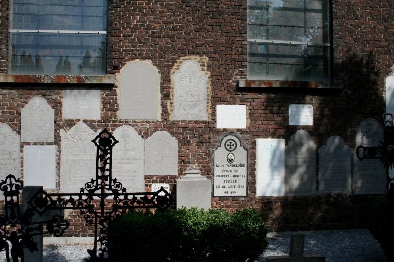 A la découverte des mémoriaux et cimetières militaires - Page 5 54593610