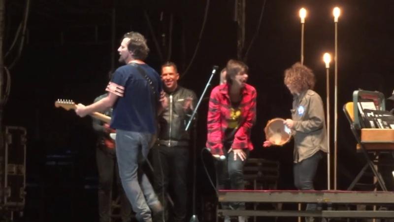 """7/18/14 - Sesimbra, Portugal, Herdade do Cabeço da Flauta, """"Super Bock Super Rock Festival"""" - Eddie Vedder Set Vlcsna16"""