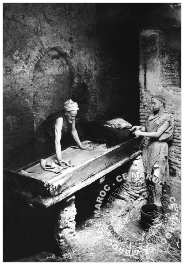 Fez : les tanneurs et l'artisanat du cuir. 14410