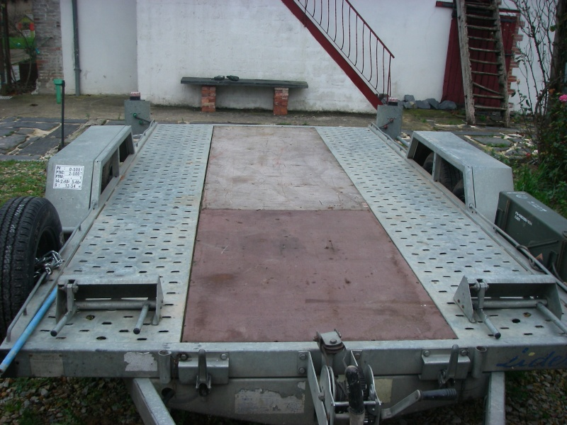 {VENDU} Remorque plateau 2500kg Imgp4414