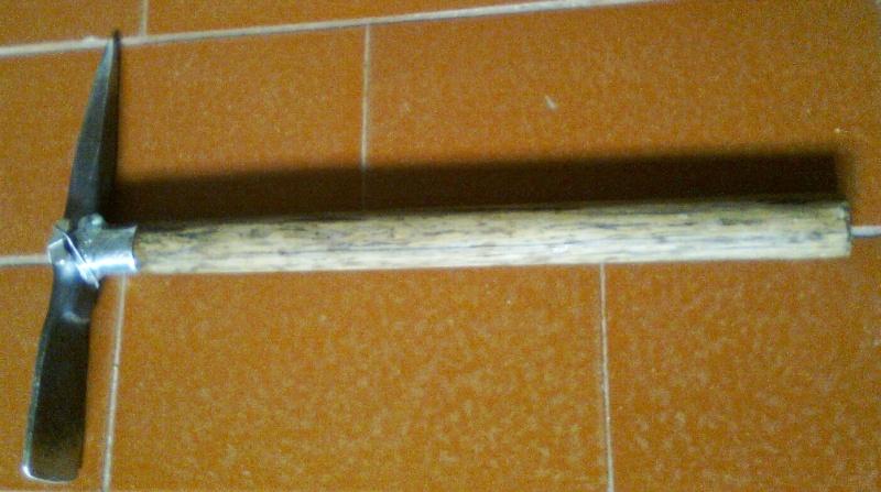 Herramienta imprescindible  del detector: La piqueta Foto0110