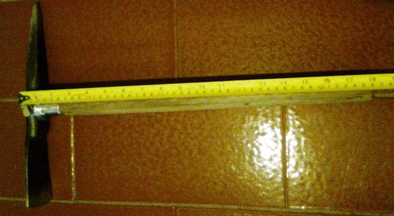 Herramienta imprescindible  del detector: La piqueta Foto0115