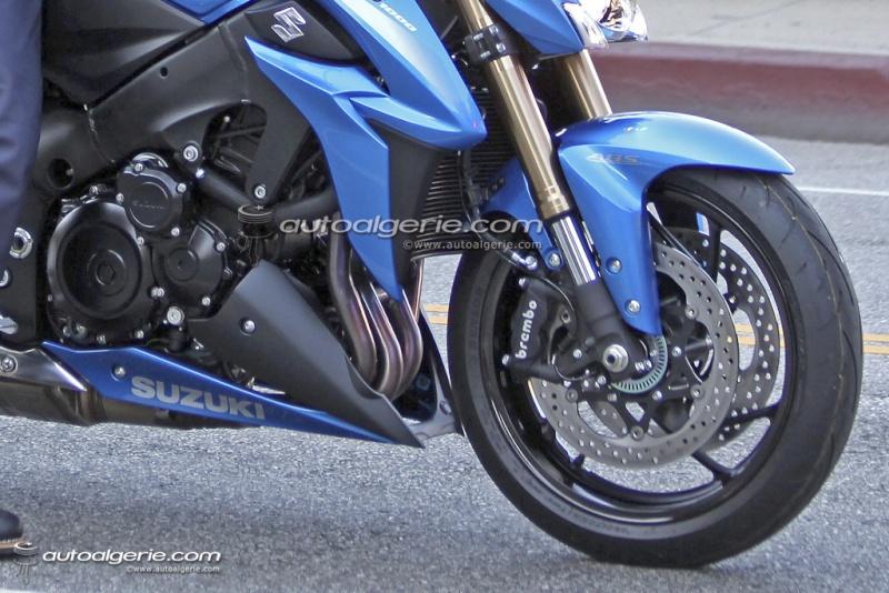 Le nouveau GSR 1000 en photos et vidéo promo - Page 4 Suzuki11
