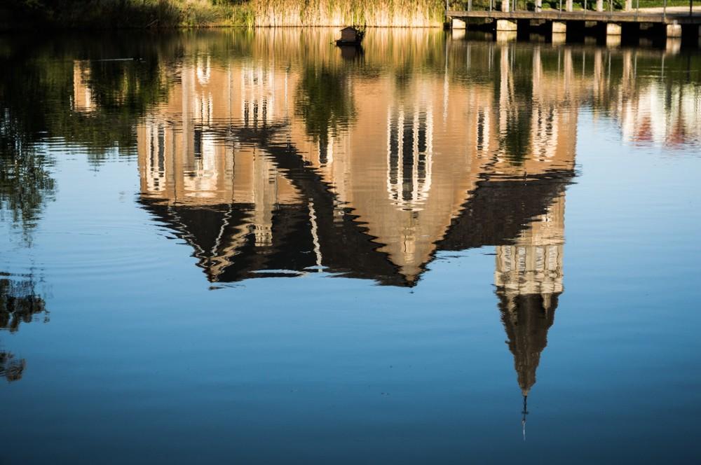 reflet de l'eglise Dsc00110