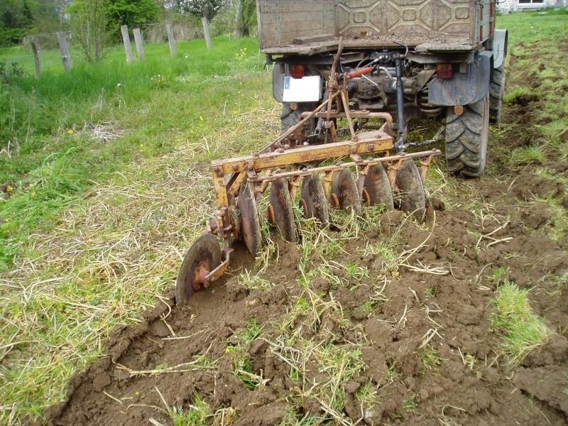 Travaux des champs avec un U411 P1010510