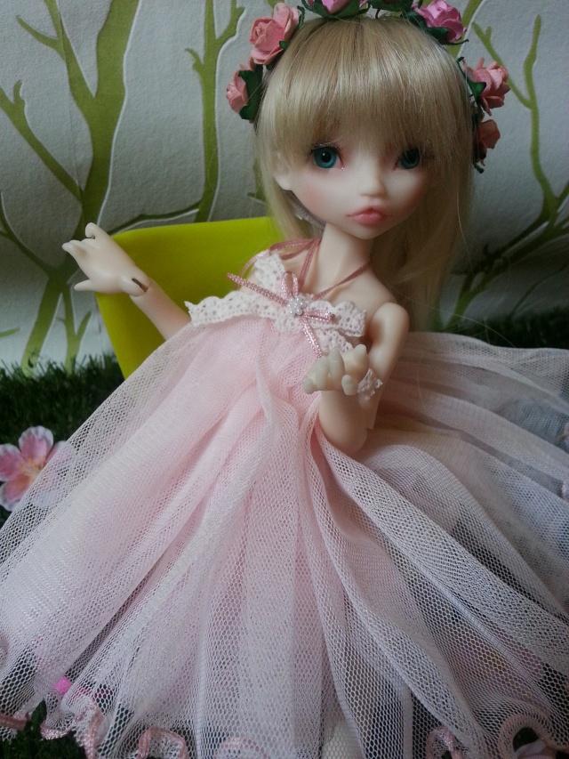 Blue eyes p.2 [Rhubarbe et Raspberry - Nobles Dolls] Emily_27