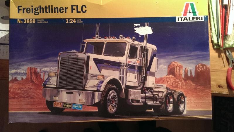Italeri Freightliner FLC 1:24 1_frei10