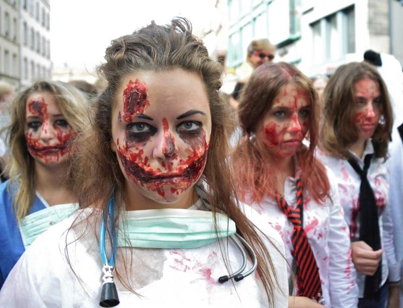 La zombie walk de Strasbourg 2014 Dsc_4410