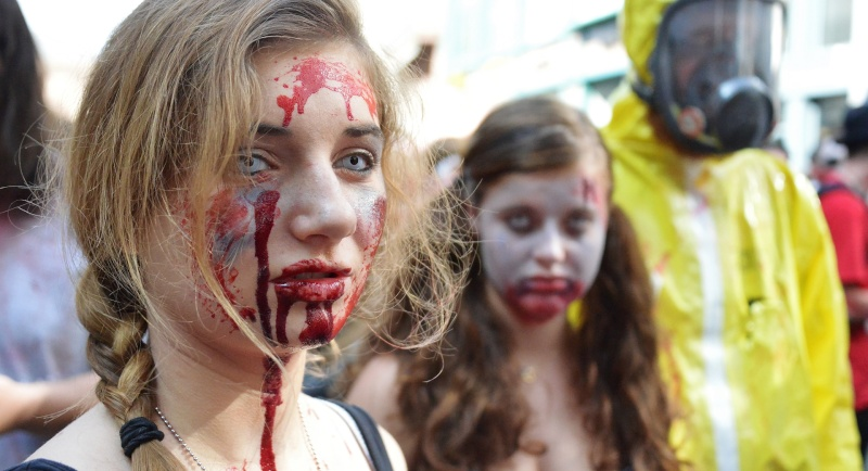 La zombie walk de Strasbourg 2014 Dsc_4610
