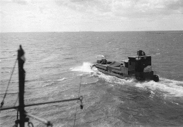 LCM 24 en 1951.  L_c_m_12
