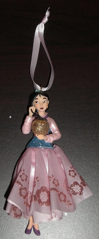 Les suspensions Disney (Disney Store, Disney Parks) - Page 3 Mulan10
