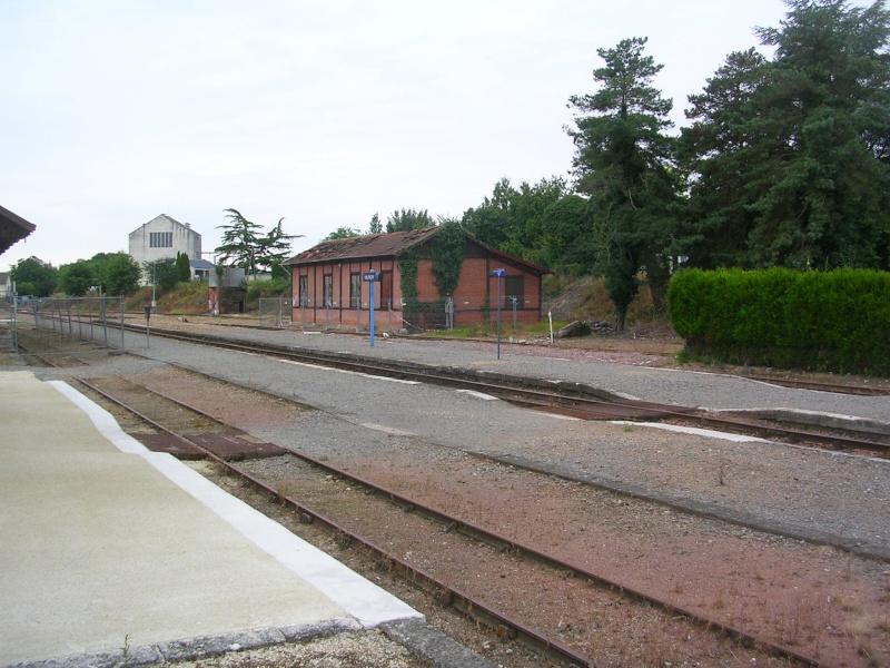 Pk 234,7 : Gare de Valençay (36) Dscn0411