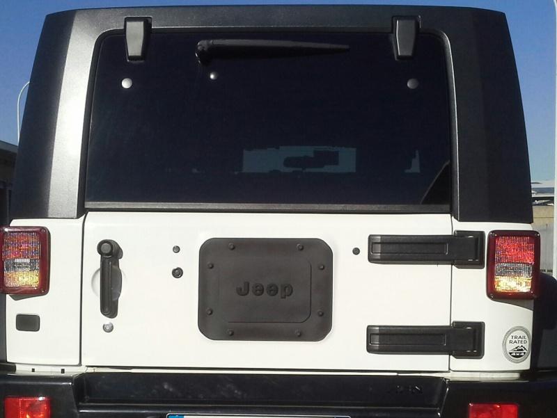 Piastra portellone posteriore JK 20131111