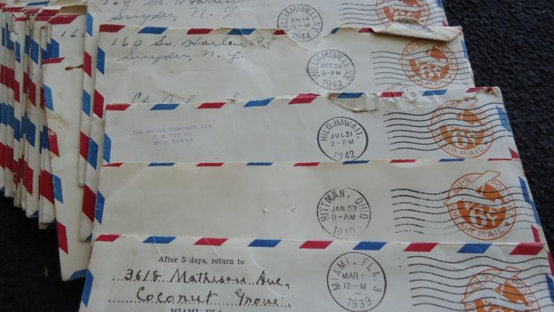 Un carton plein d'histoire. Dsc06922