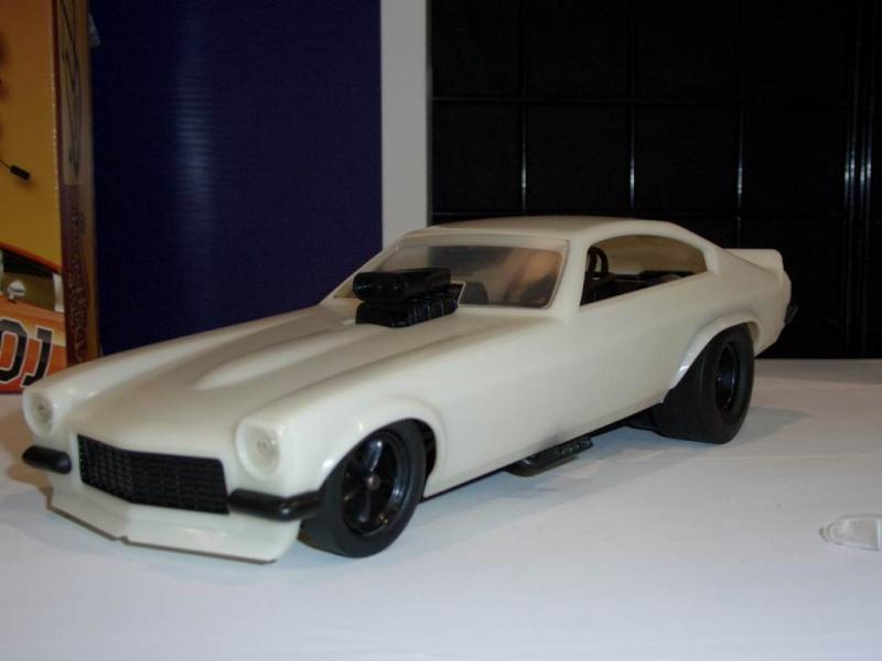 Auto World Vega funny Car Aw_veg12