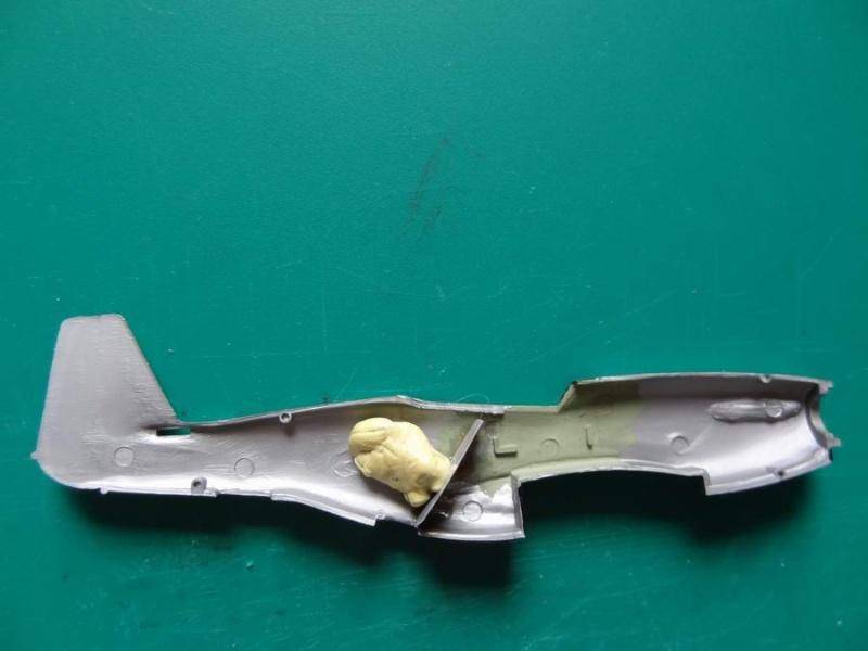 Heller P-51D mustang 1/72 002_p512