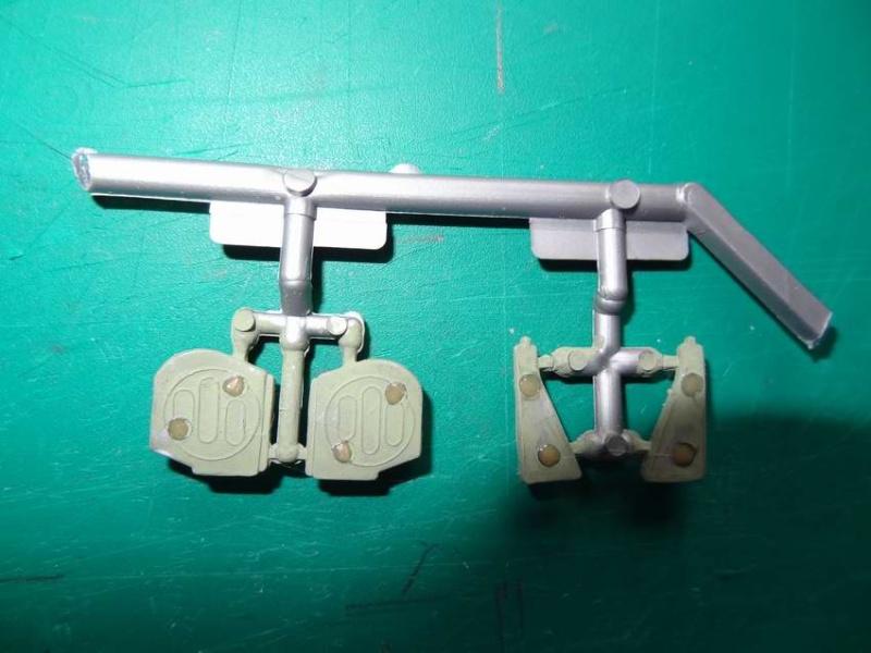Heller P-51D mustang 1/72 003_p510