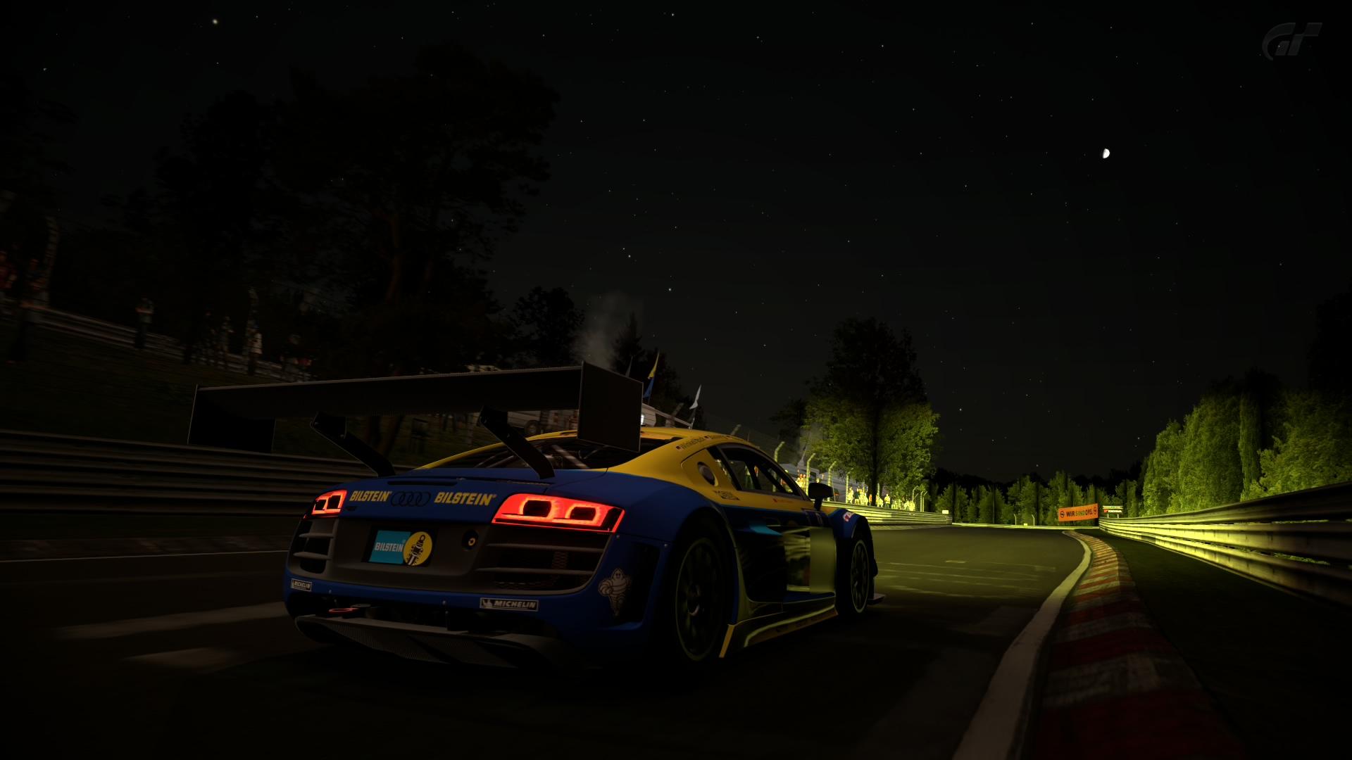 Crónica del Audi R8 LMS Ultra en Nürburgring 24h Narbur12