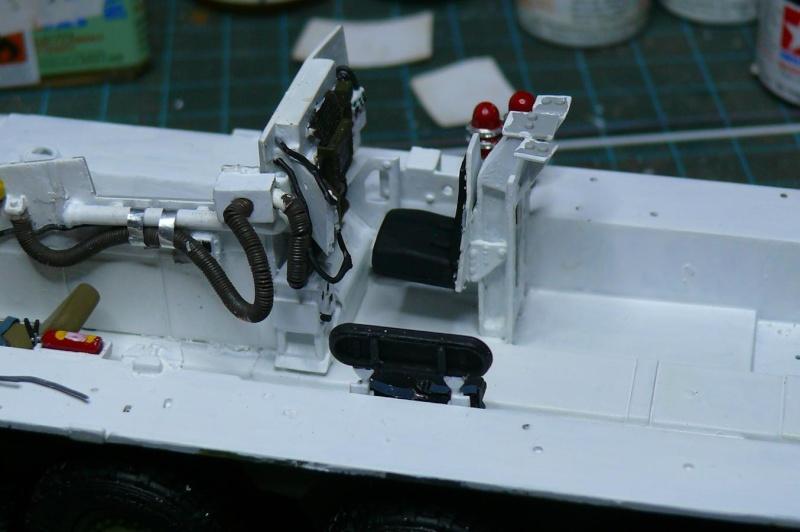STRYKER M1129 MORTAR CARRIER VEHICLE de TRUMPETER au 1/35 - Page 2 Phot1163