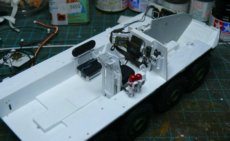 STRYKER M1129 MORTAR CARRIER VEHICLE de TRUMPETER au 1/35 - Page 2 Phot1165