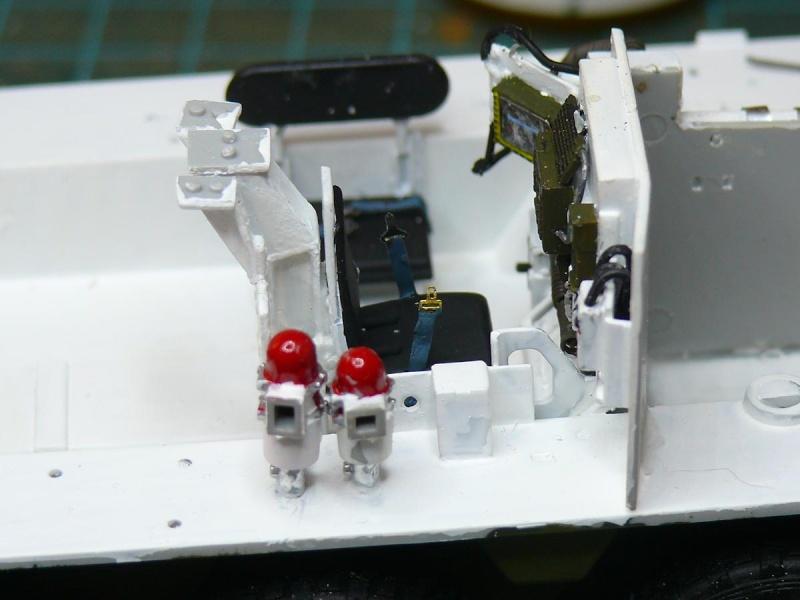STRYKER M1129 MORTAR CARRIER VEHICLE de TRUMPETER au 1/35 - Page 2 Phot1168