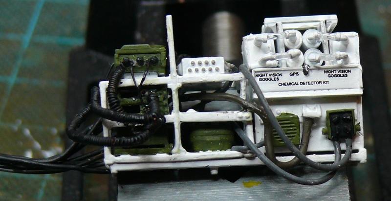 STRYKER M1129 MORTAR CARRIER VEHICLE de TRUMPETER au 1/35 - Page 2 Phot1174