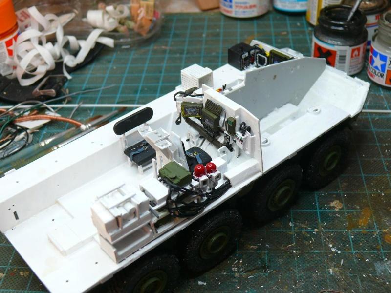 STRYKER M1129 MORTAR CARRIER VEHICLE de TRUMPETER au 1/35 - Page 2 Phot1192