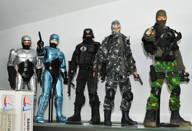 1/6 COLLECTION: HOT TOYS, SIDESHOW, DC DIRECT DELUXE AND MANY MORE Dsc_1013
