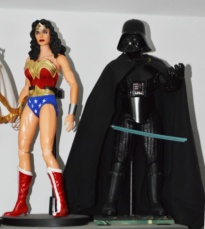 1/6 COLLECTION: HOT TOYS, SIDESHOW, DC DIRECT DELUXE AND MANY MORE Dsc_1021