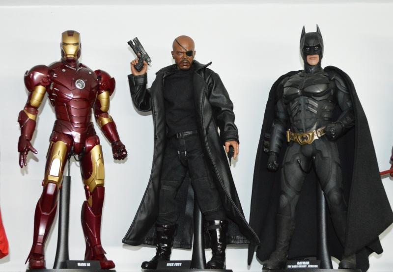 1/6 COLLECTION: HOT TOYS, SIDESHOW, DC DIRECT DELUXE AND MANY MORE Dsc_1025