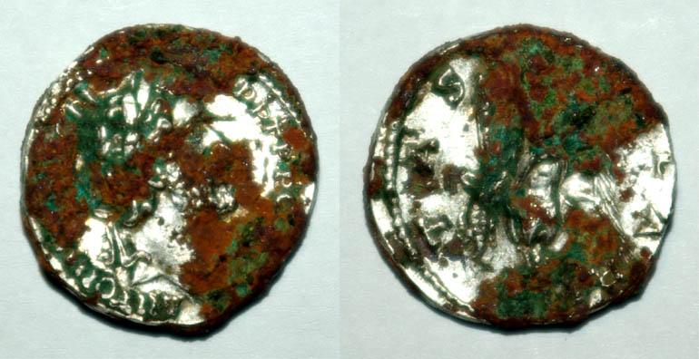 Les monnaies de Triboque à identifier - Page 3 Ro5910