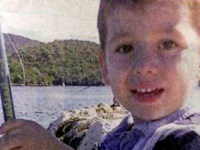 Βοήθεια ζητούν οι γονείς του 3χρονου που έχασε το χέρι του 14870910