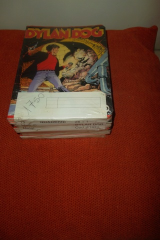 cerco materiale cartoleria Dylan Dog 06711