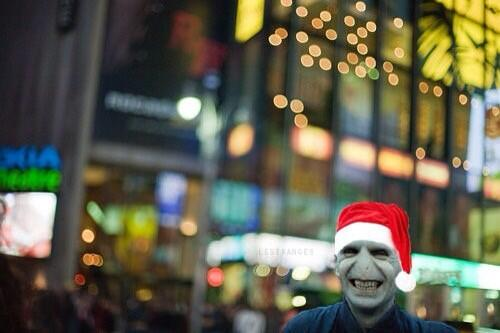 Lord Voldemort - The unknown side - Seite 2 Santa_10