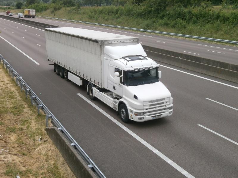 Scania série T (cabine a capot) - Page 8 P6240310
