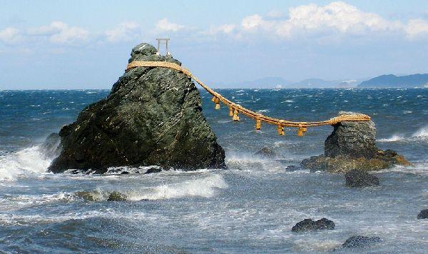 Shintoisme, le chemin vers les dieux. Meotoi10