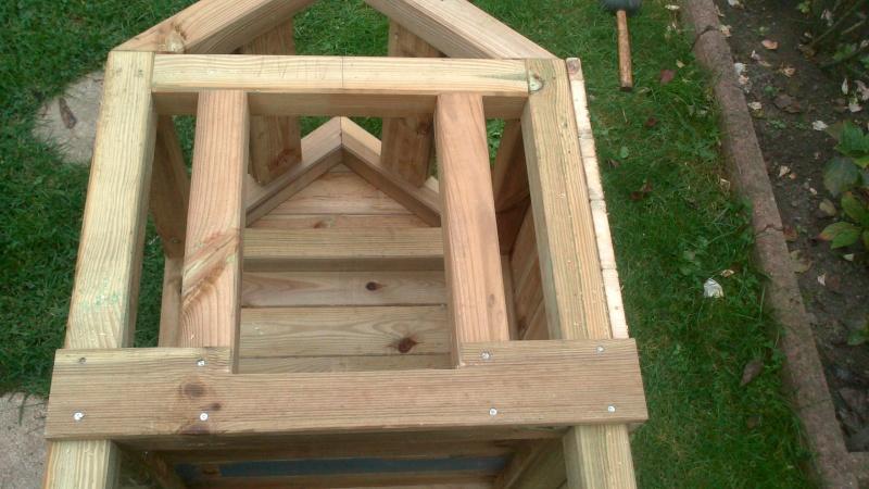 Fabrication cabane pour chat  Dsc_0619
