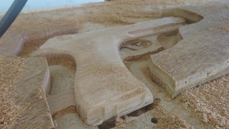 pistolet en bois Dsc01920